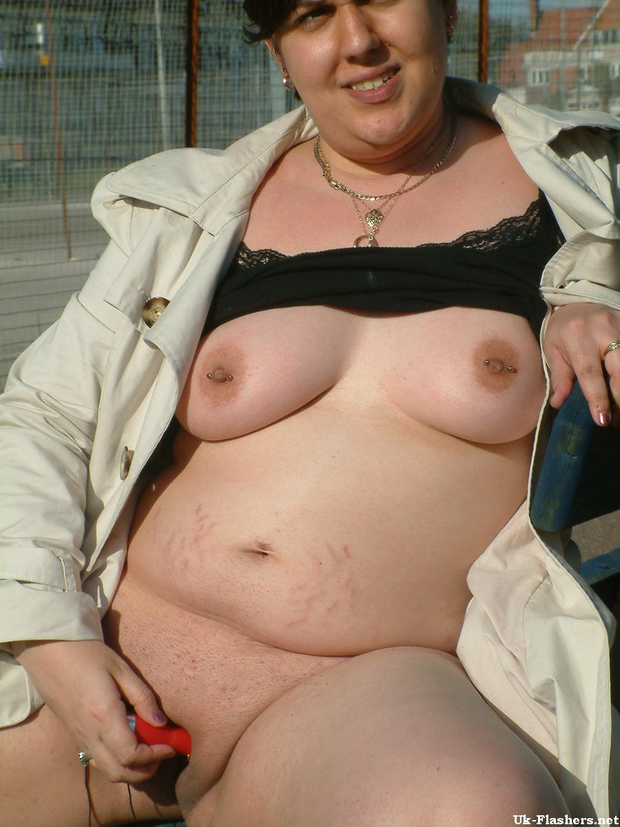 Ssbbw outdoors nude girl