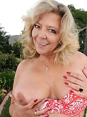 Karen Summer Busty Mature Blonde Poses Nude Outdoor